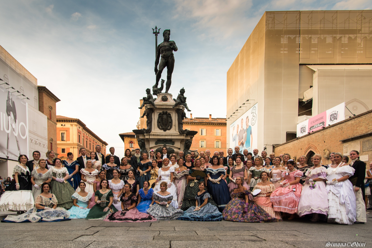 Ballo ottocentesco Bologna